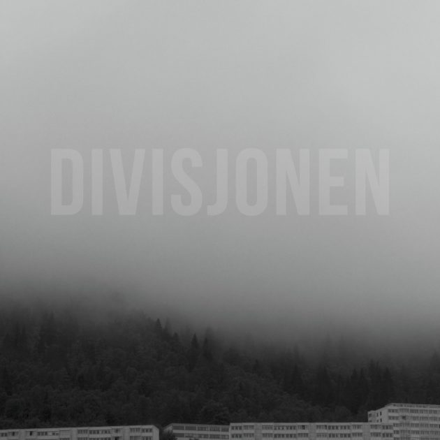 Divisjonen - Himmelen Over Oss Blør