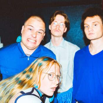 "Daufødt's latest single ""Ingenmannsland"" live at Blitz"