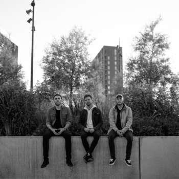 "Kollapse share new single and video ""Knæler"""